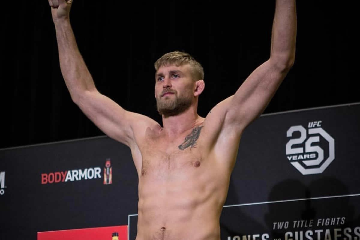 Alexander Gustafsson is a heavy favorite in his fight with Anthony Smith Saturday.